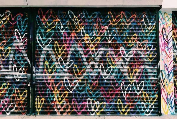 street-art-colorful-hearts